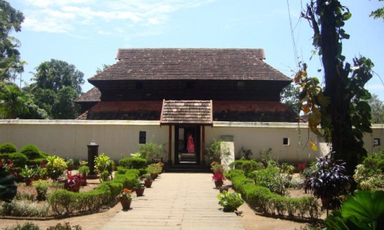 Krishnapuram-Palace-768x461